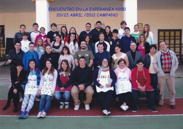 Foto de grupo. Encuentro en la Esperanza nº 100 en Campano (2012)