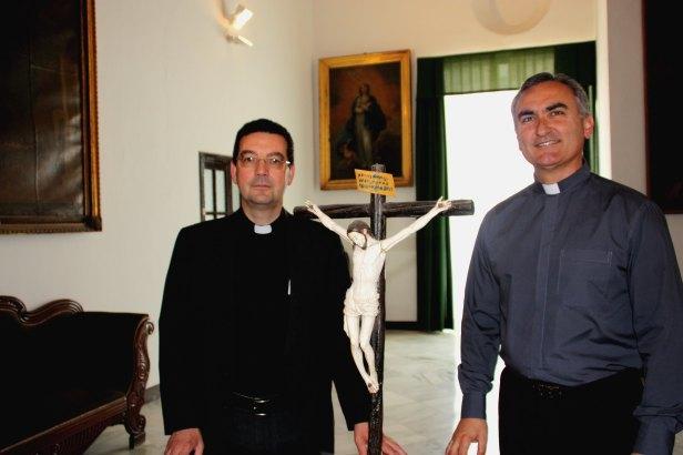 De izquierda a derecha: nuevo Vicario General de Ceuta y nuevo Vicario de Pastoral
