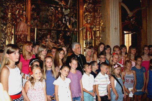 Foto de grupo en la capilla del Hospitalito de Mujeres