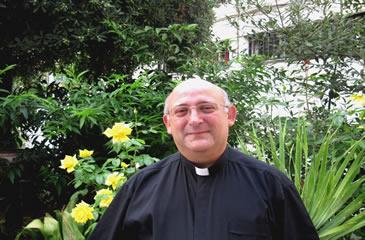 Óscar González Esparragosa Delegado Episcopal para la Familia, Defensa de la Vida y C.O.F.