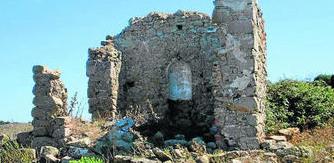 Vista del presbiterio con la hornacina donde debió estar entronizada la imagen de Nuestra Señora del Rosario. Foto: Europa Sur