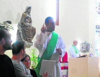 Las misas interpretadas se celebran domingos alternativos en la parroquia de Loreto. Foto: Diario de Cádiz.