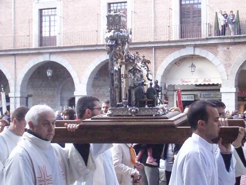 Procesión de las reliquias de San Juan de Ávila por la ciudad de Ávila el 15 de octubre de 2012