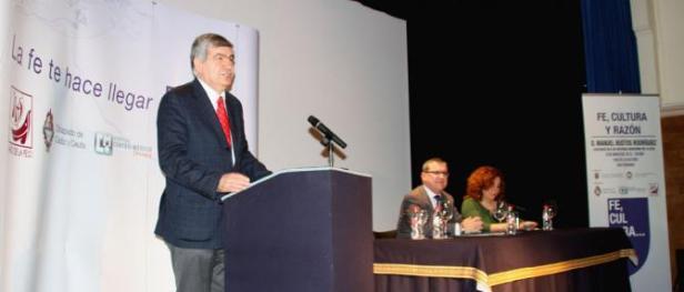 conferencia_manuel_bustos_1