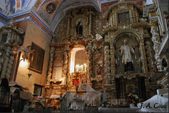 El retablo mayor es una de las piezas más destacadas de la iglesia. Foto: Jesús A. Cañas