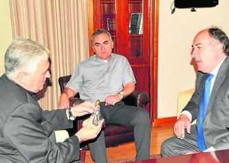 Rafael Zornoza Boy y José Ignacio Landaluce, ayer, en el Ayuntamiento. Foto: Europa Sur.