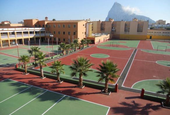 El Colegio salesiano lleva más de medio siglo en La Línea