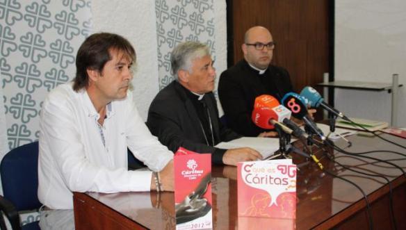 Monseñor Zornoza durante la presentación del observatorio de realidad social
