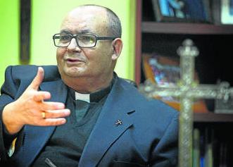 Salvador Rivera, director espiritual del Consejo de HHCC de Cádz