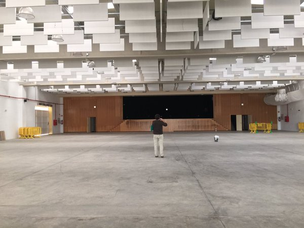 Interior de la Caseta Municipal en el Recinto Ferial de Benalup, lugar escogido para el Festival de la Canción Misionera 2016