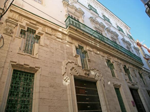 Fachada del Obispado de Cádiz y Ceuta