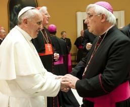 Mons. Heskett con el papa Francisco