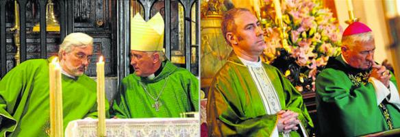 De izquierda a derecha: el padre Juan Pedro Varo y el padre José Manuel Cote con el obispo de Cádiz